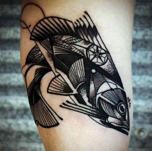 tatuagem geométrica carpa