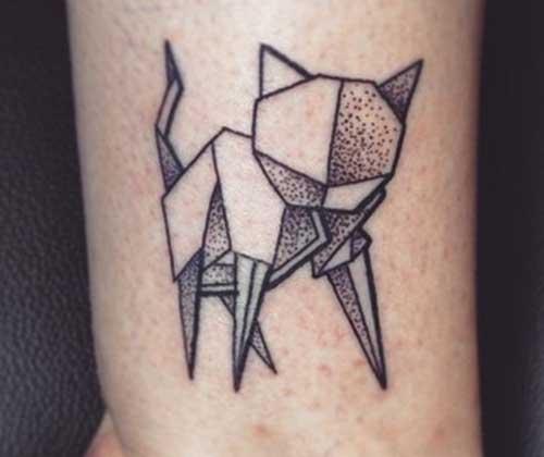 tatuagem geométrica gato feminino