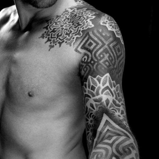 tatuagem geométrica homem sleeve ideias