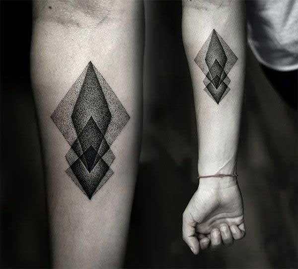 tatuagem geométrica sleeve para mulher