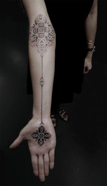 tatuagens com pontilhismo femininas ideias