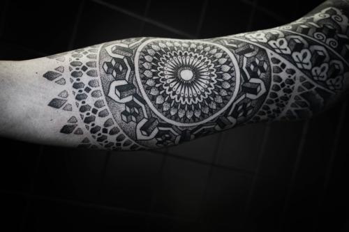 tatuagens com pontilhismo ideias