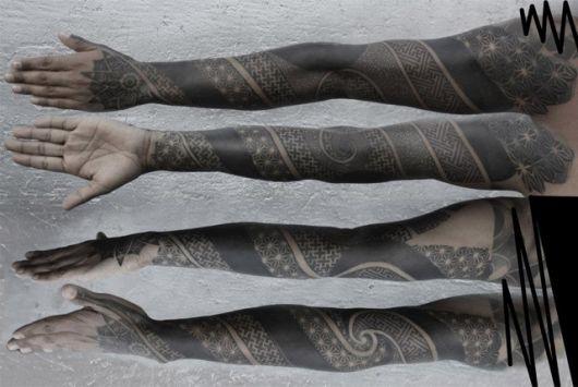 tatuagens com pontilhismo maori
