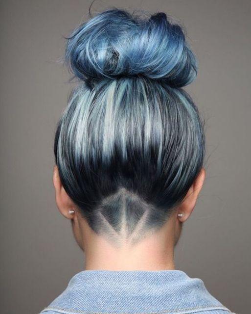 cabelo azul claro