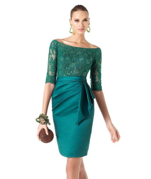 vestido de cetim curto com renda