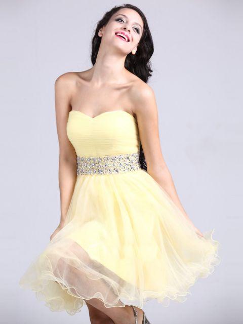 cinto de strass em vestido de festa