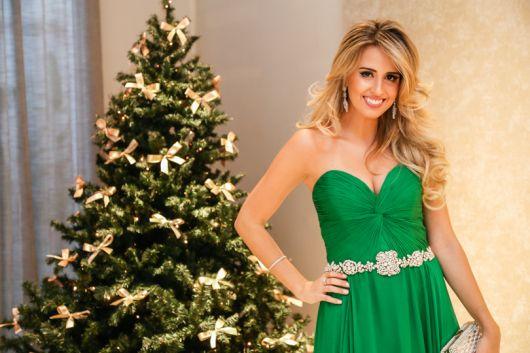 cinto de strass com vestido verde