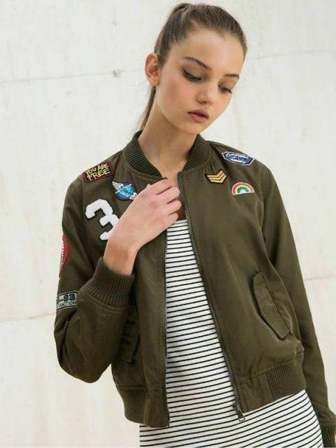 jaquetas com patches femininas