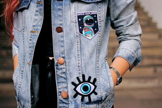 jaquetas com patches jeans discreta