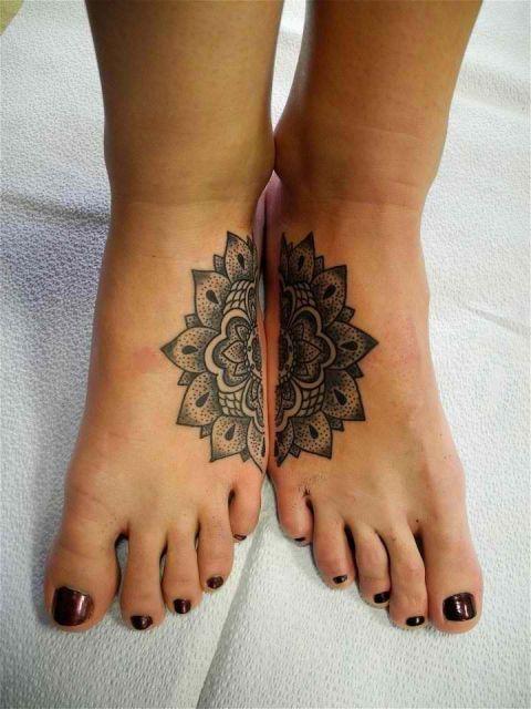 tatuagem mãe e filha combinada flor