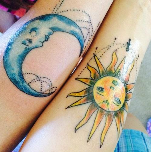 tatuagem mãe e filha sol lua
