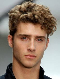 franja-masculina-no-cabelo-cacheado