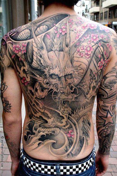 tatuagem para cobrir estrias  costas completa