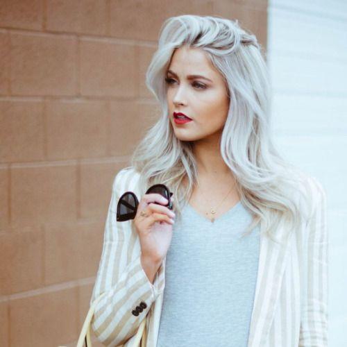 sobrancelha cabelo platinado