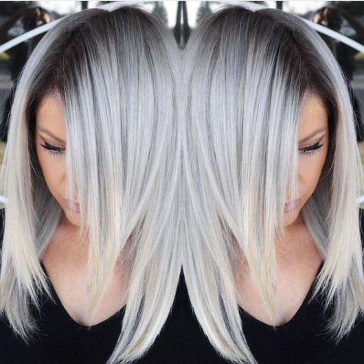raiz escura com cabelo cinza