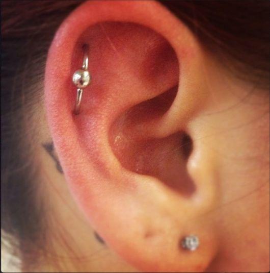 orbital-piercing-na-orelha