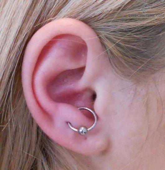 piercing-na-orelha-captive-agola-bolinha