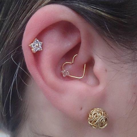 piercing-na-orelha-pedrinha