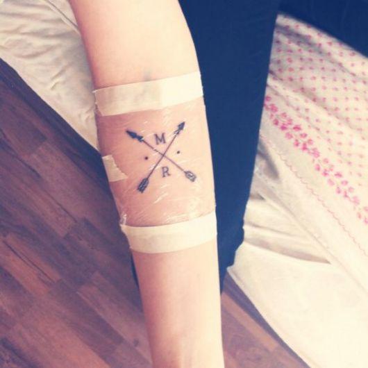 tatoo-de-flecha-cruzada