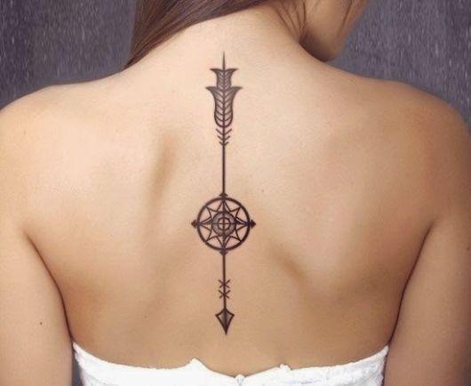 tattoo-de-flecha-nas-costas