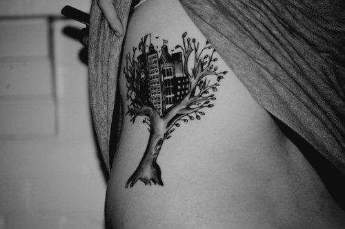 tatuagem-casa-da-arvore-moderna