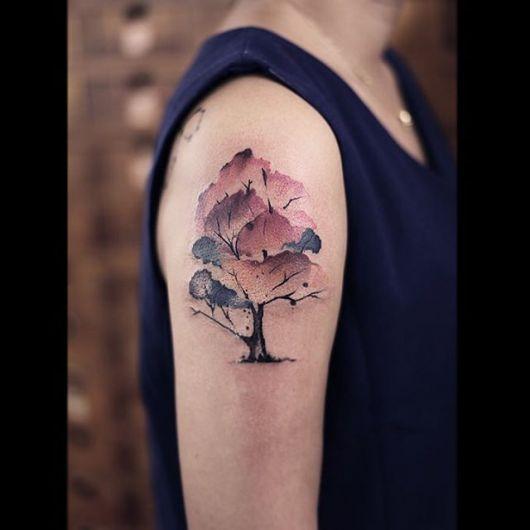 tatuagem-de-arvore-aquarelada