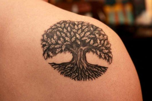 tatuagem-de-arvore-carvalho-ideias