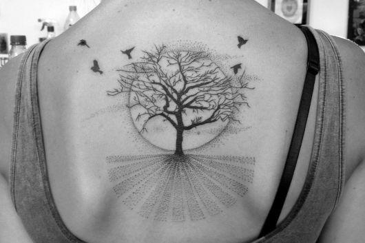 tatuagem-de-arvore-com-lua-ideias