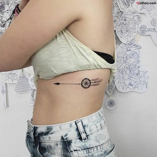 tatuagem-de-flecha-costela-ideias