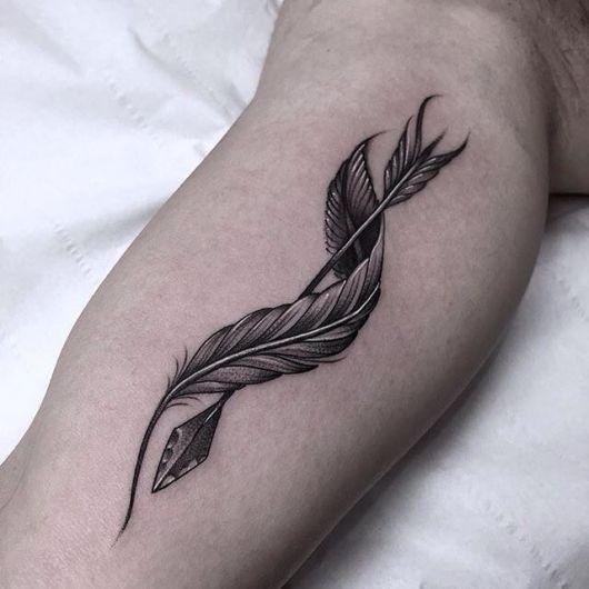 tatuagem-de-flecha-e-pena