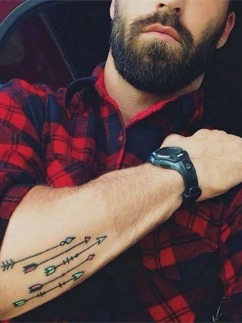 tatuagem-de-flecha-homem