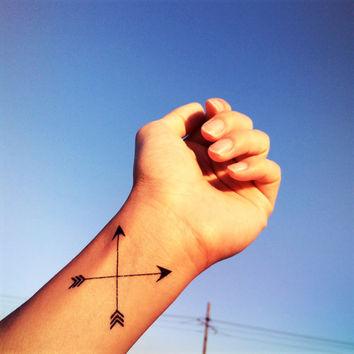 tatuagem-de-flecha-pulso