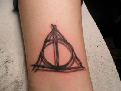 tatuagem-harry-potter-reliquias-morte