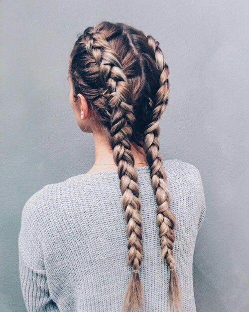 cabelo com duas tranças