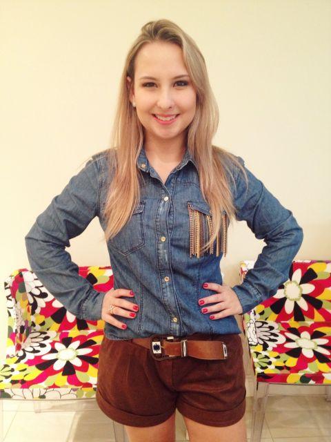 look-para-rodeio-camisa-jeans-e-short