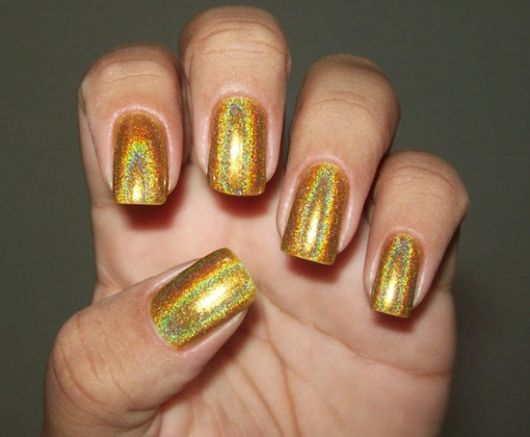 unhas-para-o-natal-douradas-glitter