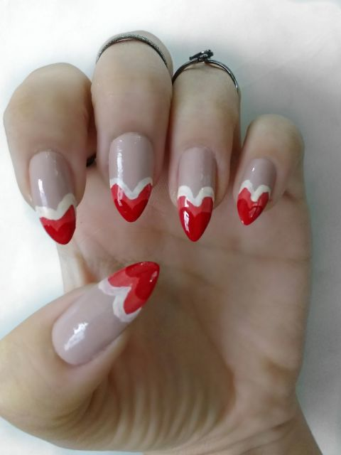 unhas-para-o-natal-stiletto-decoradas