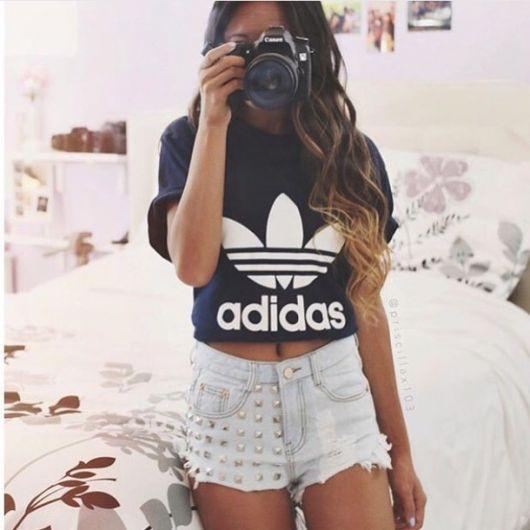 cropped-adidas-preto-com-short