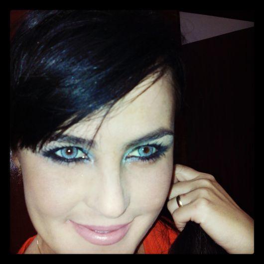 lente-de-contato-azul-estilo