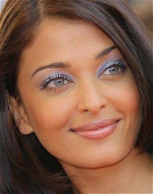 lente-de-contato-verde-mulheres