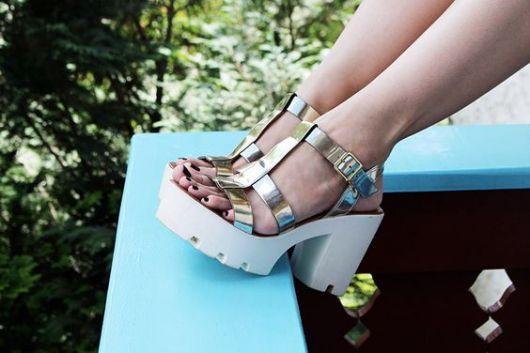 salto-tratorado-sandalia