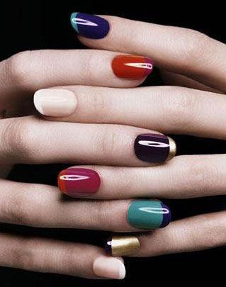 As unhas coloridas ficam modernas