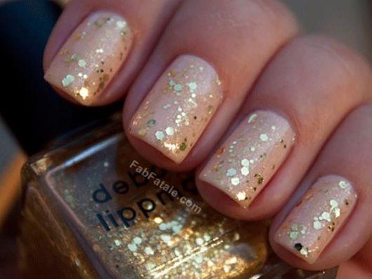 unhas-para-ano-novo-decoradas-com-glitter-2