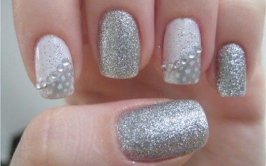 unhas-para-ano-novo-decoradas-com-prata