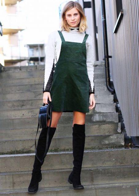 jardineira-saia-colorida-camurca-verde