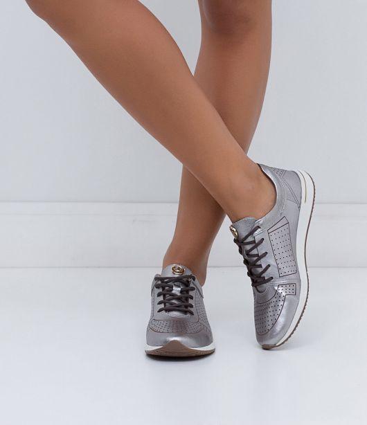 tenis-prata-metalizado-cravo-e-canela-2