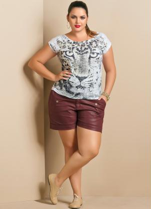 t-shirt-plus-size-estampa-com-short