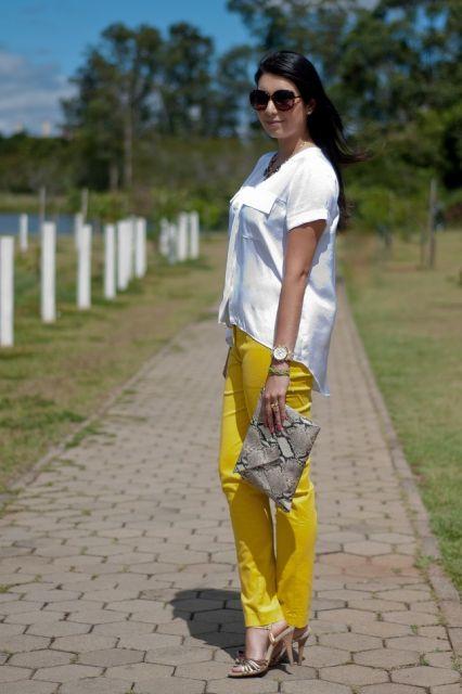 blusas e camisetas com calça mostarda feminina