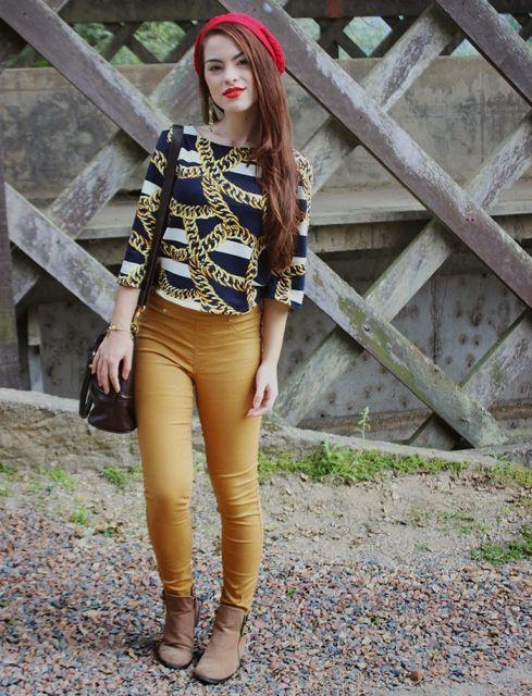 usar calça mostarda feminina com bota cano curto