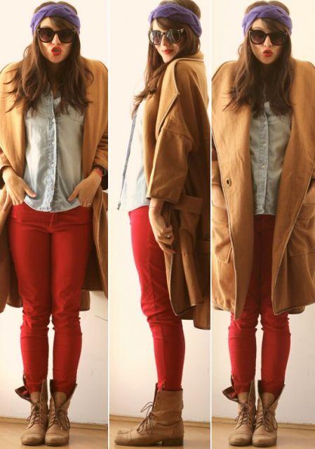 calca-vermelha-e-bota-marrom-inverno
